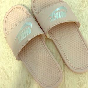 Nike Slides light pink size 8